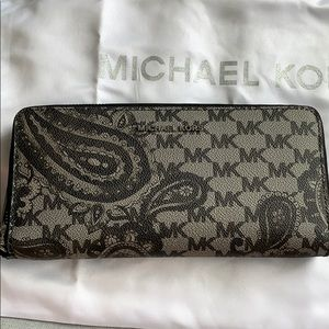 Michael Kors Black Zip Around Wallet